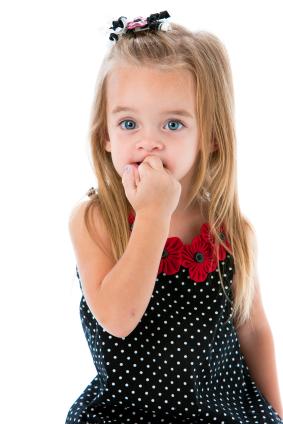 De ce copilul meu isi roade unghiile?